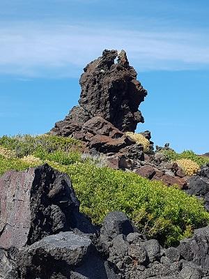 ηφαιστειογενείς βράχοι στην Patelleria
