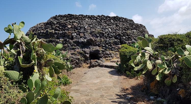 Τάφος από την παλαιολιθική εποχή