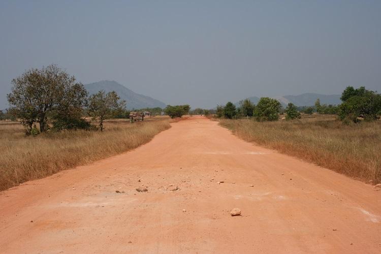 Το μεγαλύτερο τμήμα του δρόμου είναι χωματόδρομος