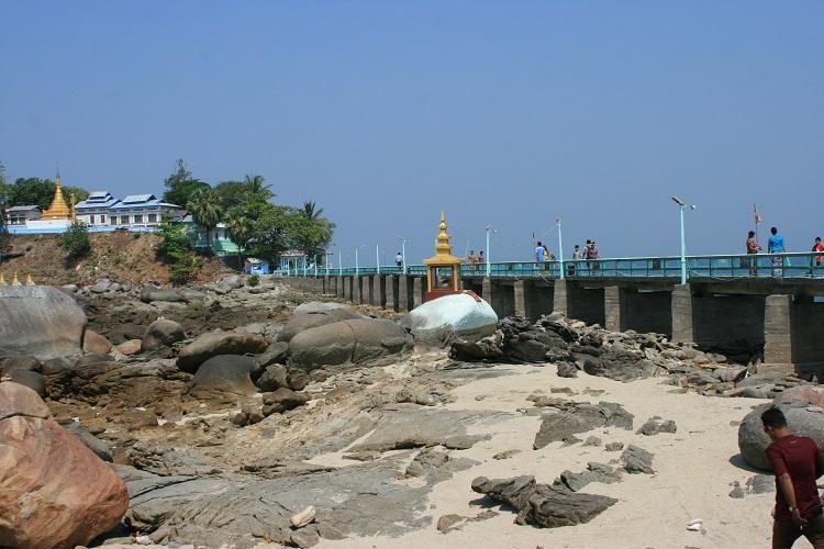 Παγόδα Myaw Yit