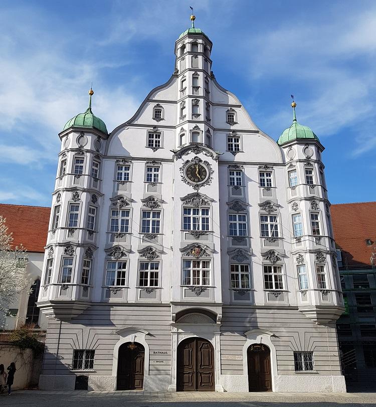 Rathaus: Το δημαρχείο της πόλης μέχρι και σήμερα