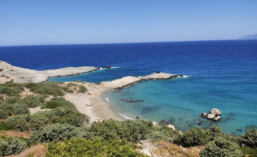 Παραλία Άγιος Γεώργιος, Ικαρία